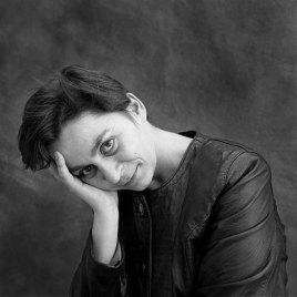 anne-enright-1990-Amelia-Stein_f_improf_515x515